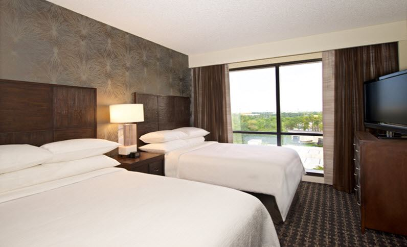 Embassy Suites by Hilton Palm Beach Gardens PGA Boulevard Guestroom