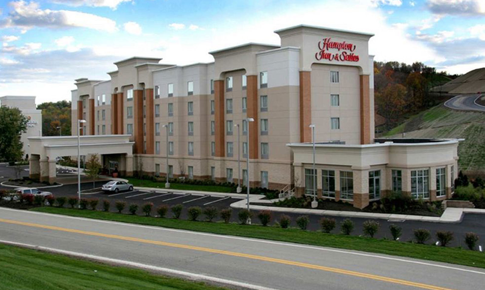 hampton-inn-suites-pittsburgh-meadow-lands